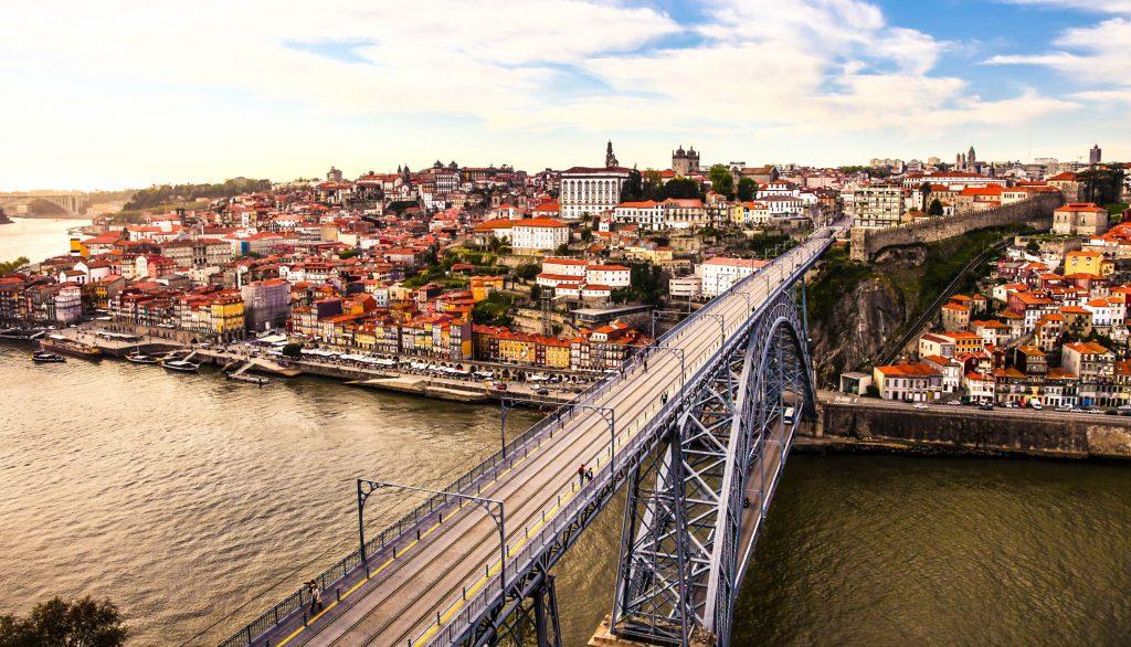 Porto and subway train iStock 000055188162 Large 2